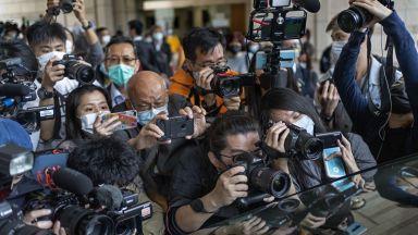 Магнатът Джими Лай получава две присъди, но рискува доживотен  затвор