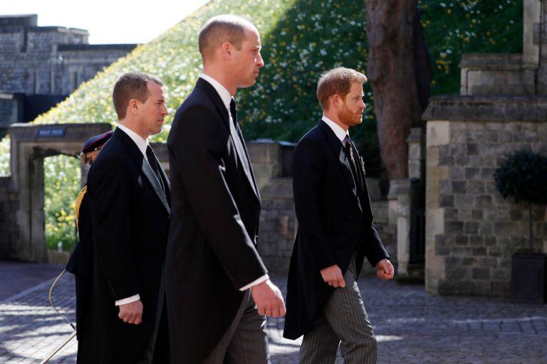 Принц Уилям, принц Хари и братовчед им Питър Филипс на погребението на принц Филип