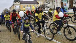"""Стотици се включиха във велошествието """"За по-чист въздух"""" в София"""