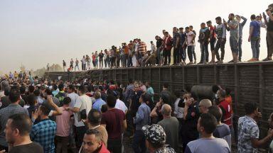 Влак дерайлира в Египет, има близо 100 ранени (видео и снимки)