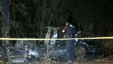 Двама загинали при катастрофа с кола на Тесла в Тексас (видео)