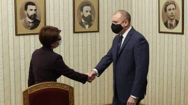 Десилава Атанасова: Очаквахме да ни поздравите. Румен Радев: Отговорността тегне върху вас