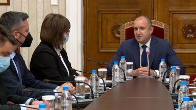 Президентът не изключи хипотезата за трети мандат при консултацията с БСП