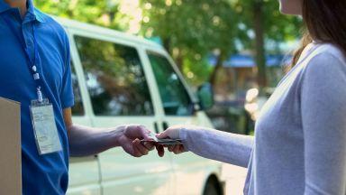 Измама: Печелят пари от наложен платеж за фалшиви пратки