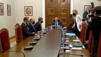 Гледахте на живо в Dir.bg: Консултации при президента Радев за съставяне на правителство