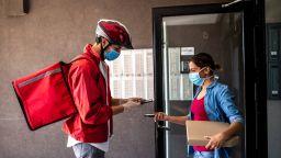 14 млрд. долара са инвестирани в доставки на бакалски стоки в пандемията