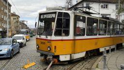 Пешеходци в риск след промяна на движението на трамвай в столицата