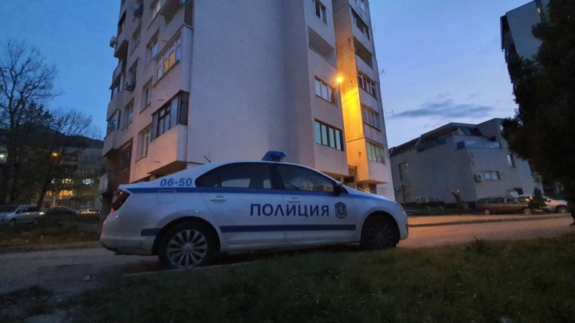Мъртва жена и тежко ранено 3-годишно дете открити в жилище във Враца