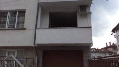 Взрив на газова бутилка изхвърли пенсионерка през тераса в Смолян (видео)