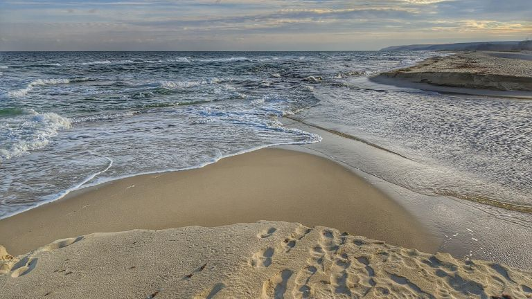 Дни преди началото на летния туристически сезон плажове във Варненска