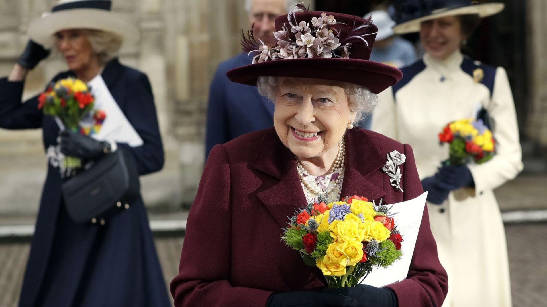 Кралица Елизабет Втора отбелязва 95-ия си рожден ден в траур за съпруга си