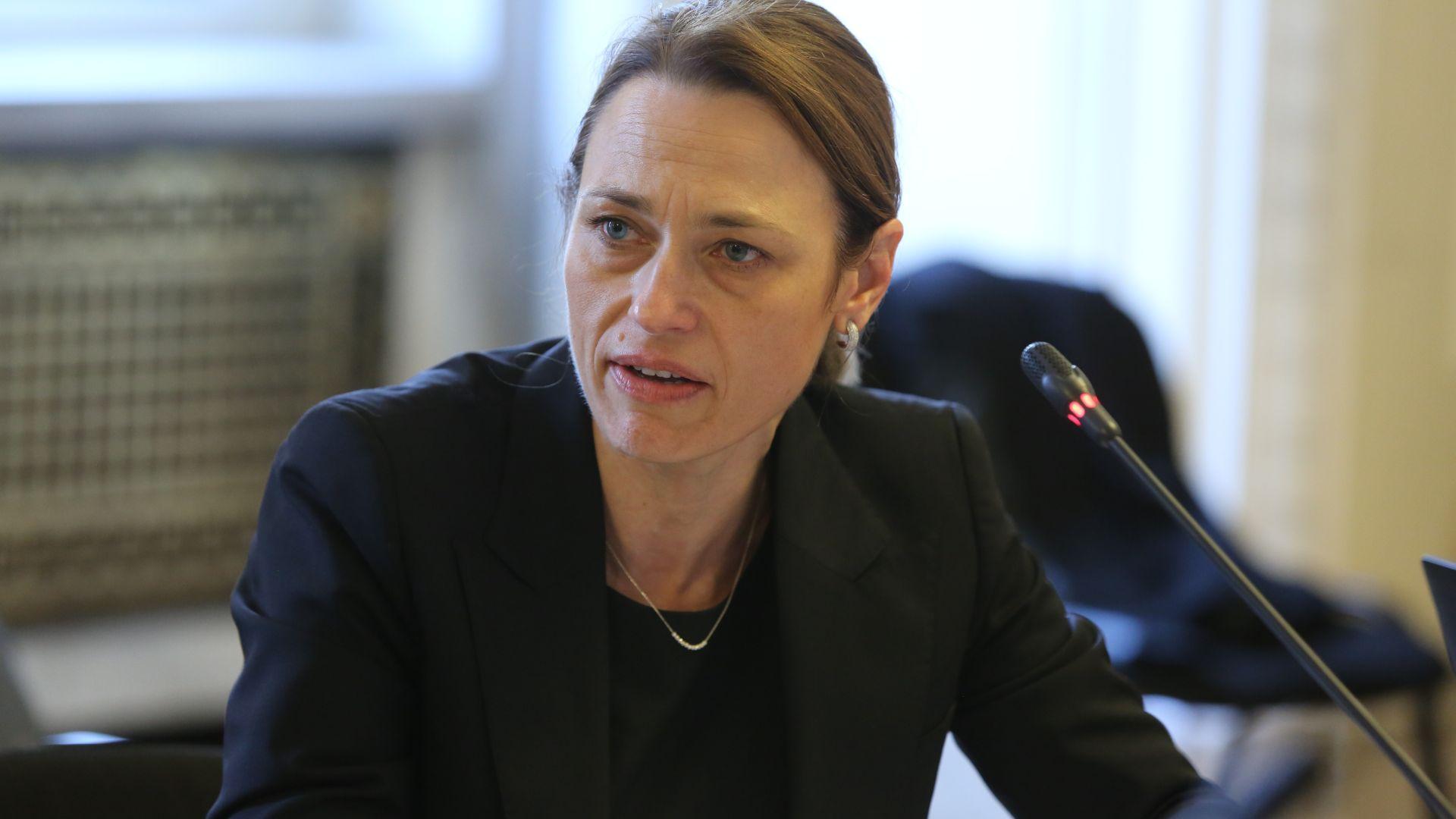 Ива Митева: Не разговарям с Татяна Дончева, опитва се да кадрува
