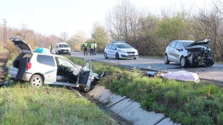 41-годишен шофьор загина при челен удар на пътя Шумен-Бургас малко