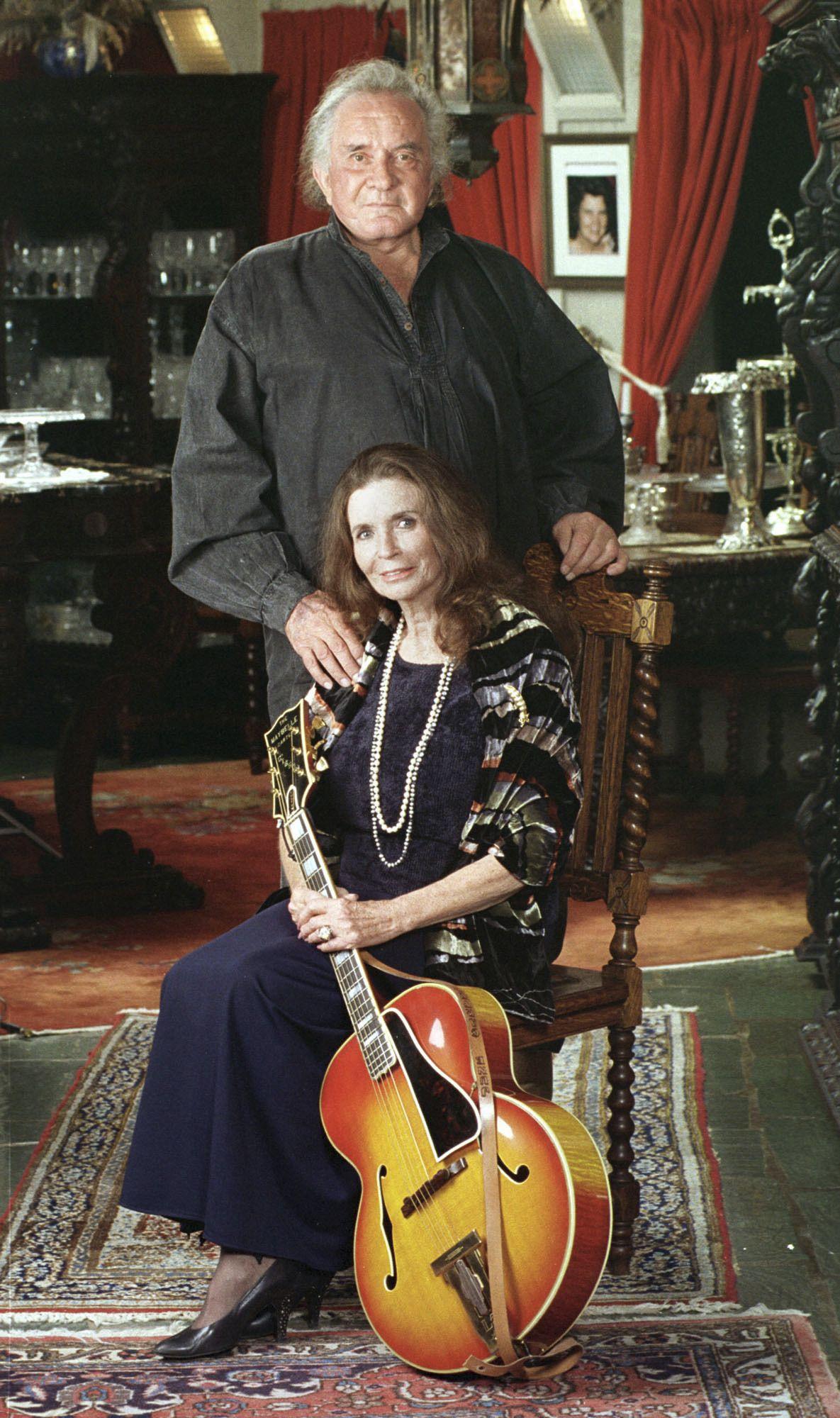 Джони със съпругата си Джун Картър Кеш