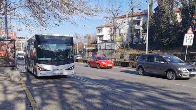 917 превозни средства, сред които 217 автобуса, са проверени вчера