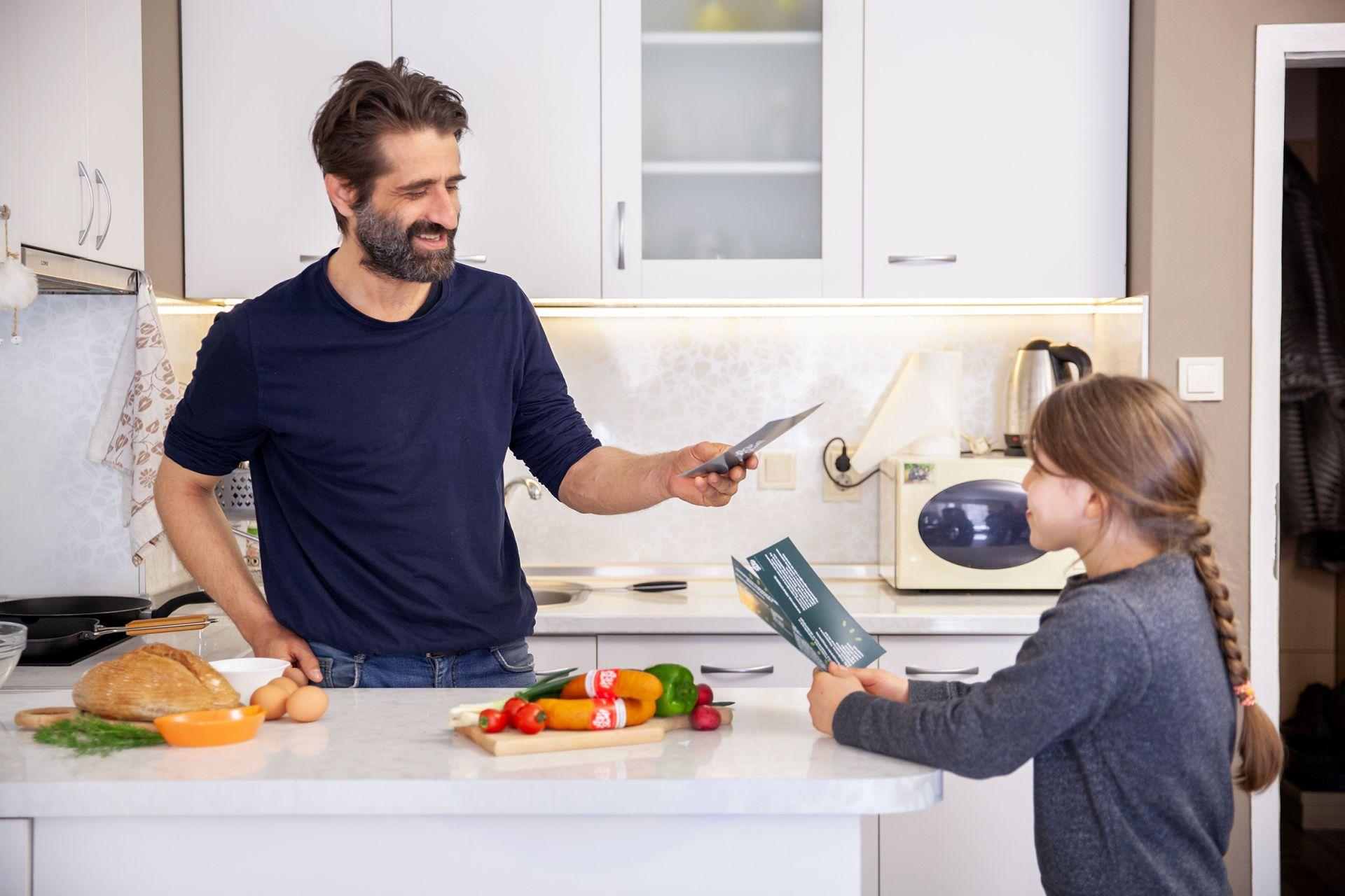 Рая подаде талоните с рецепти на татко си, за да избере 1