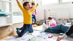 Щедри данъчни облекчения предлага БСП за родителите