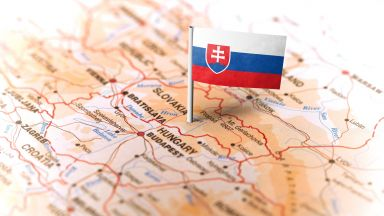 Словакия гони трима руски дипломати, солидарна с Чехия