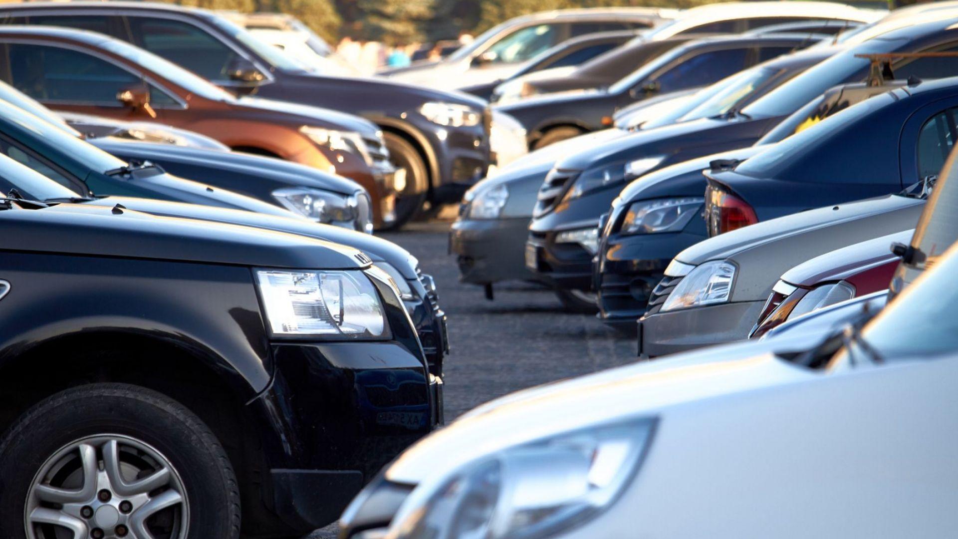 Делът на дизеловите и бензиновите автомобили в Европа се топи