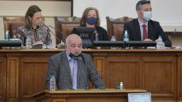 Бабикян поиска НС да признае арменския геноцид, Карадайъ призова да не се политизира историята