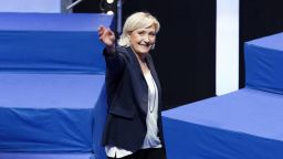 Младите французи може да качат Марин Льо Пен на трона
