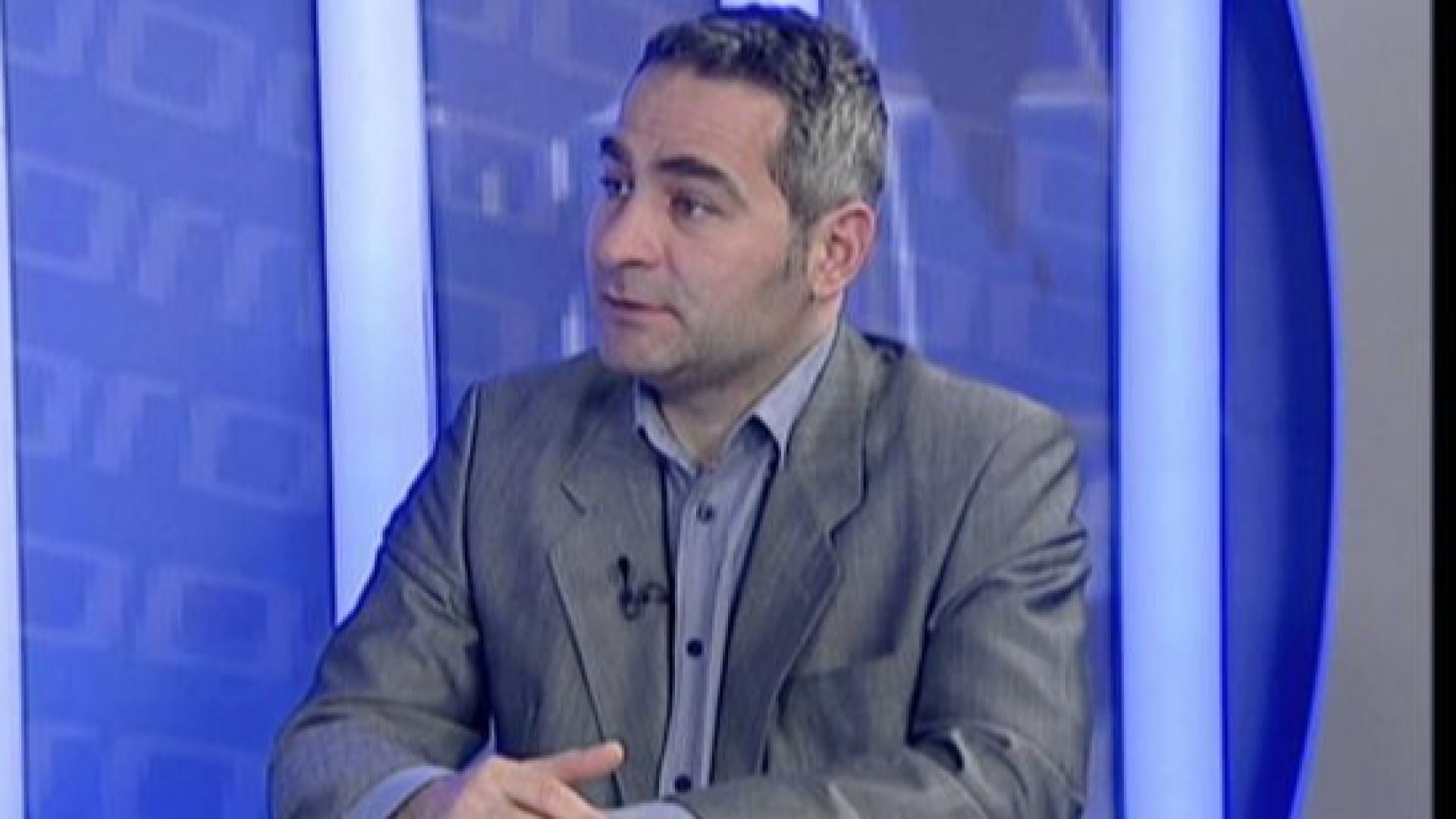 Политологът Любомир Стефанов пред Dir.bg: Не би било прилично Румен Радев да даде мандат на БСП