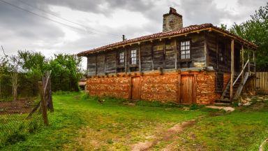 Село Бръшлян: 300-годишни къщи и гостоприемство по странджански