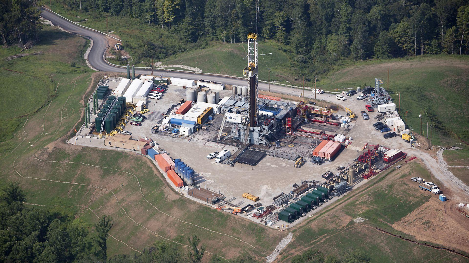Калифорния забранява фракинга до 2024 г. и съкращва добива на нефт