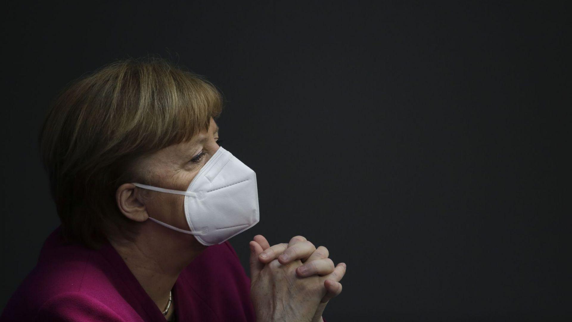Хиляди германски актьори на протест заради COVID мерките. Меркел: Приемете ги, нужни са