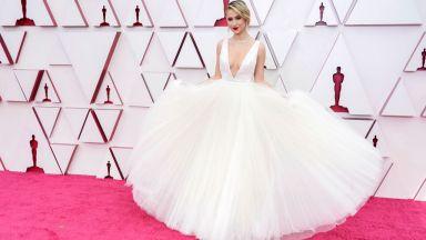 Мария Бакалова разкри защо е била с бяла рокля на Оскарите