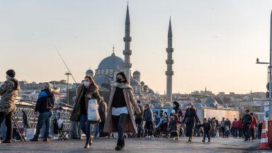 Строгият локдаун в Турция няма да важи за туристите