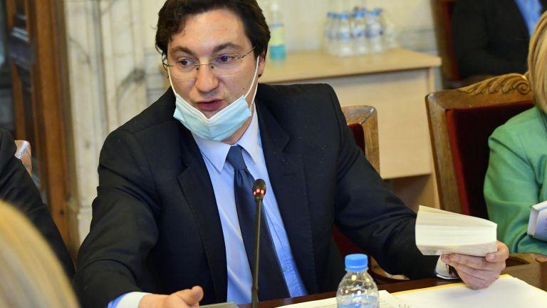 Председателят на парламентарната група на БСП Корнелия Нинова ще приеме