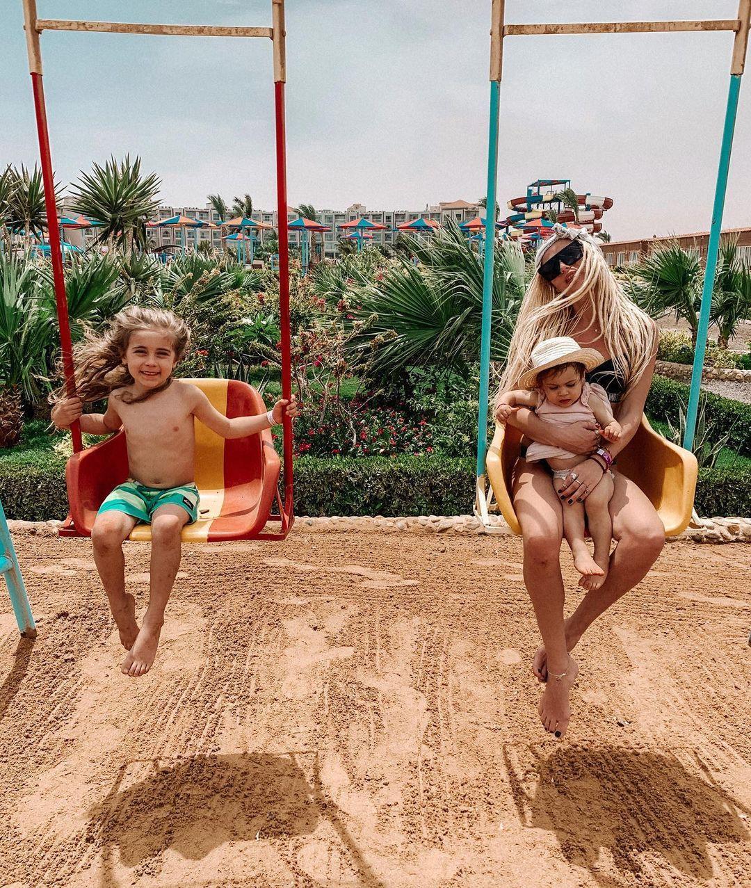 Алекс с двете си деца - Еди и Кай