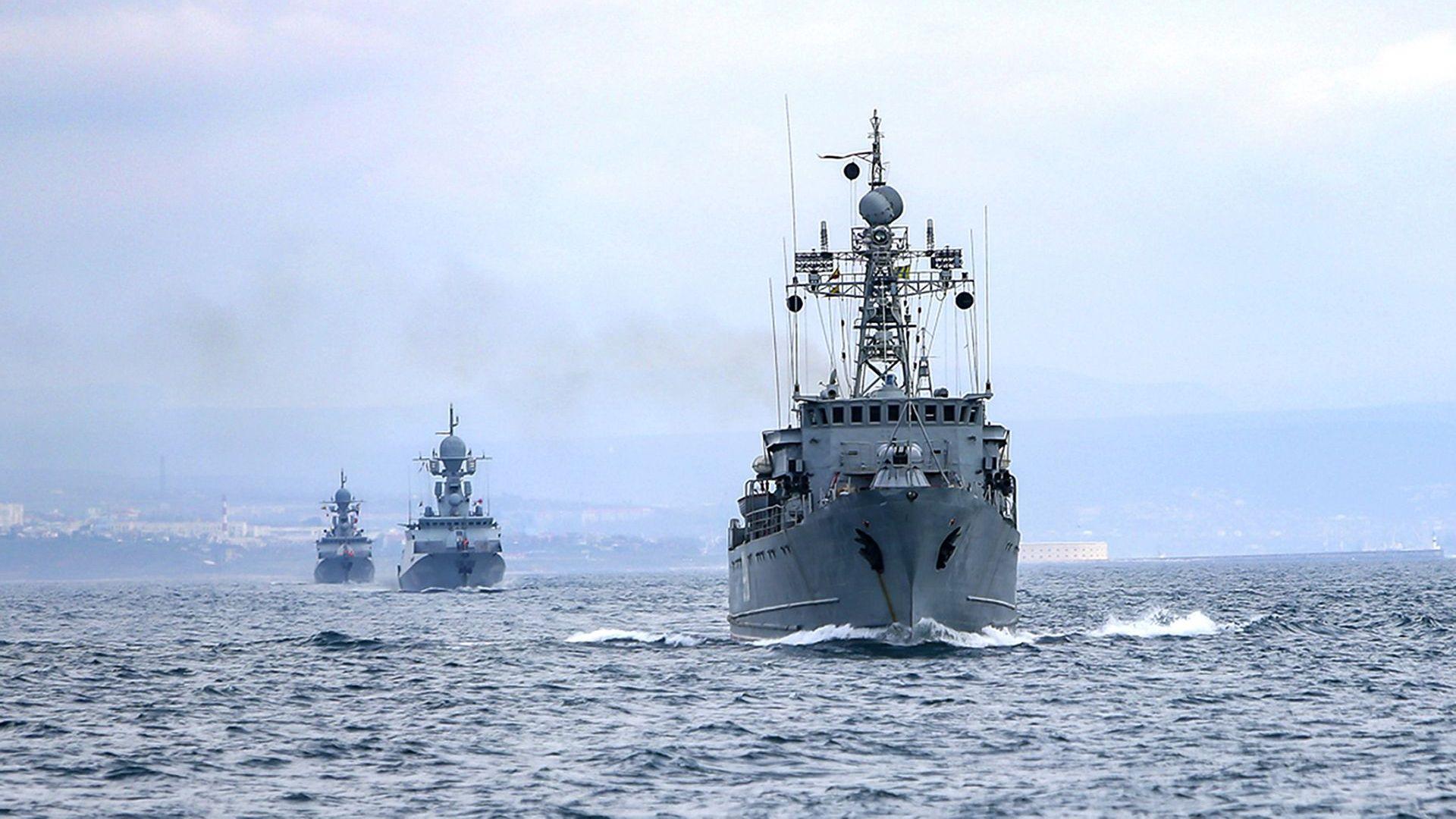 Пак напрежение в Черно море: US-кораб се насочва насам, Русия поднови военните учения