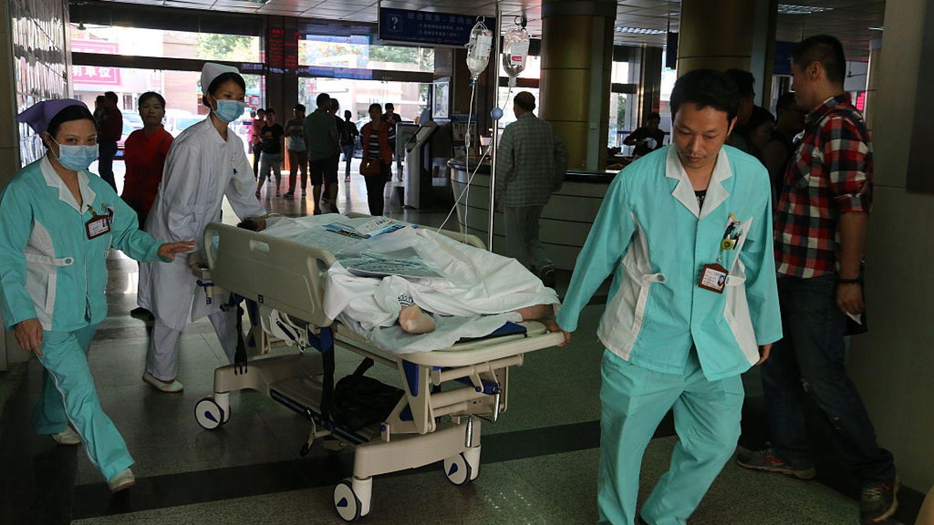 16 деца и двама възрастни са ранени при атака с нож в детска градина в Китай