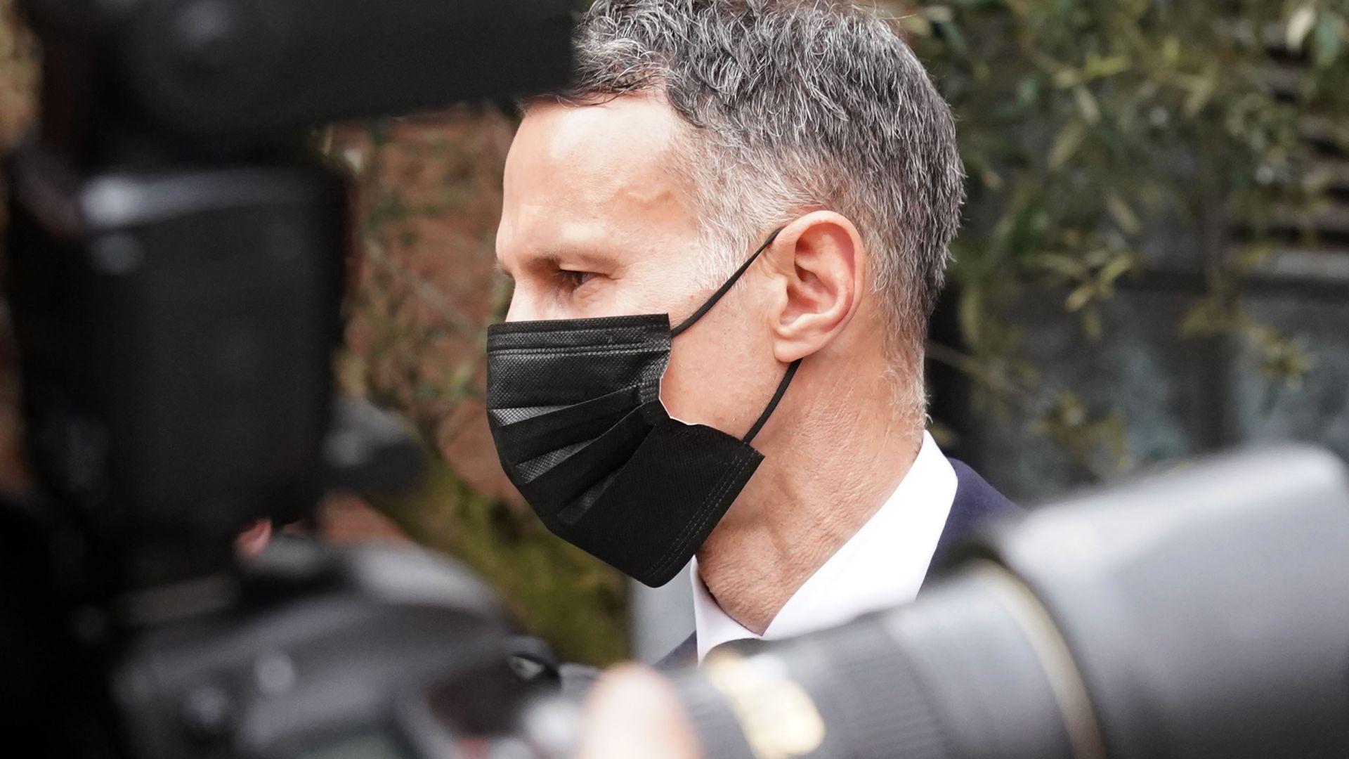 Райън Гигс се яви пред съда и отрече обвиненията за побой