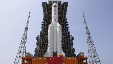 Китай изстреля основния модул на космическата си станция (видео)