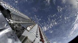 """Сателитният интернет на Илон Мъск ще е """"антипиратски"""""""