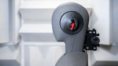 Как Huawei разработи достъпни слушалки с активно шумопотискане