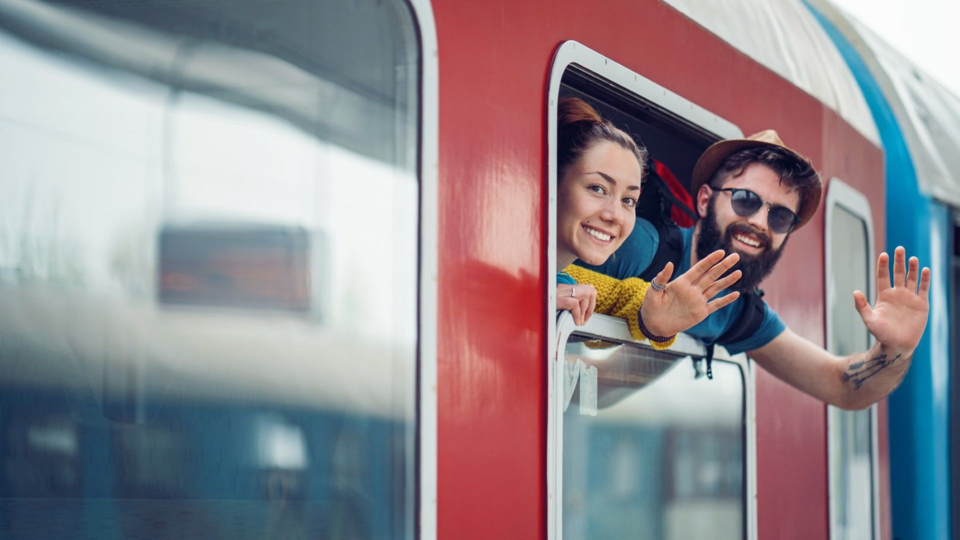 Нови права при пътуване с влак: обезщетения и храна при закъснение