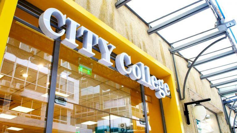 University of York Europe Campus CITY College ще предлага бакалавърски,