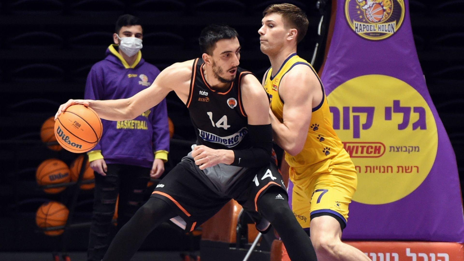 Академик рухна за няколко минути в Израел и загуби титлата в Балканската лига