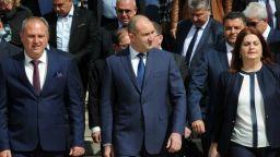Радев: Доживяхме ГЕРБ да призовава държавния глава да наложи вето