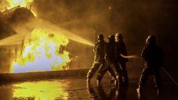 Пожар в ирански химически завод излага на опасност здравето на хората
