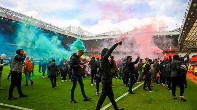 Отложиха дербито между Манчестър Юнайтед и Ливърпул заради протест на фенове