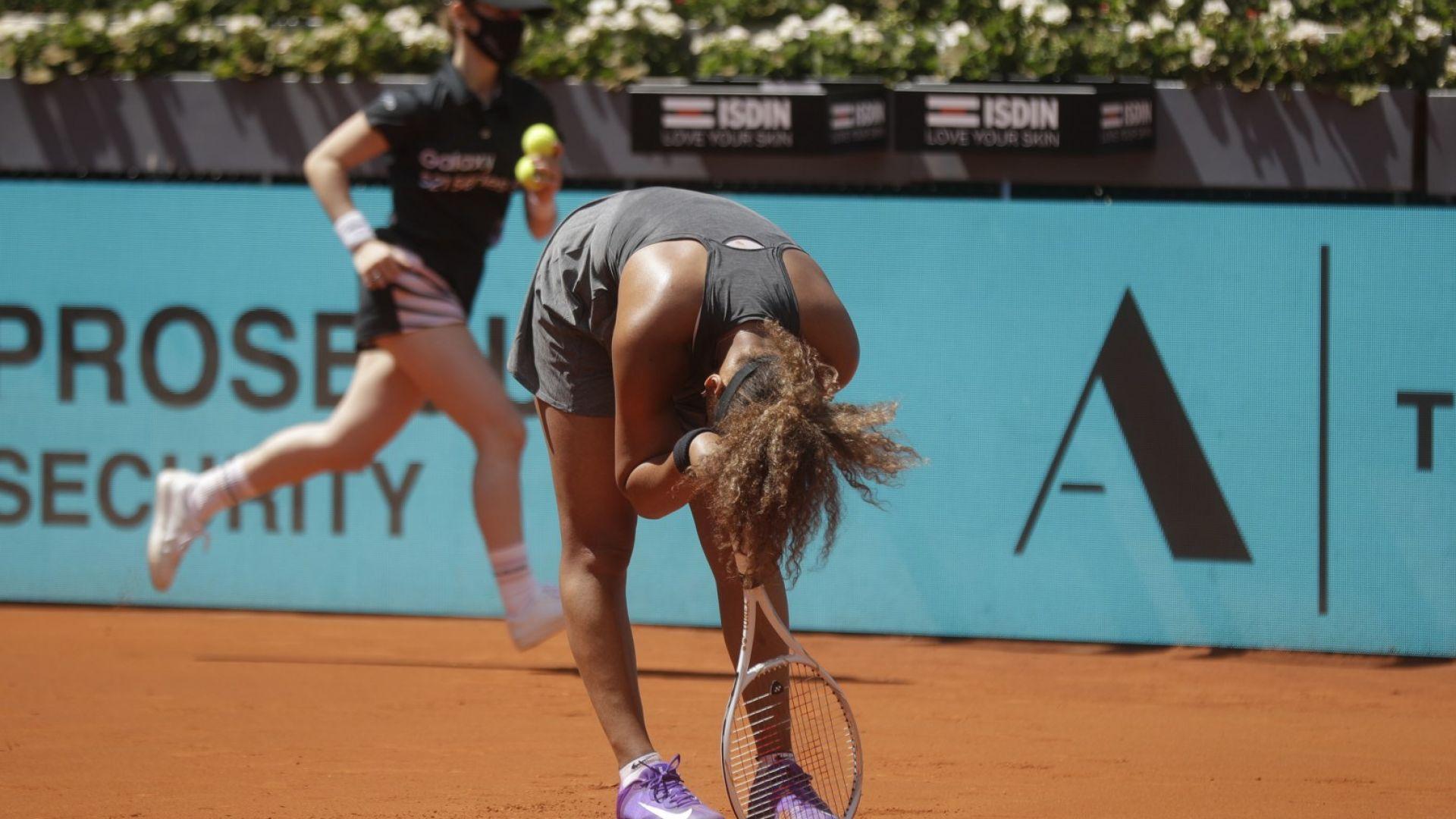 Азаренка се контузи, а Осака отпадна на турнира в Мадрид