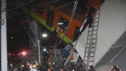 Трагедията в Мексико в снимки: Увеличава се броят на загиналите и ранените