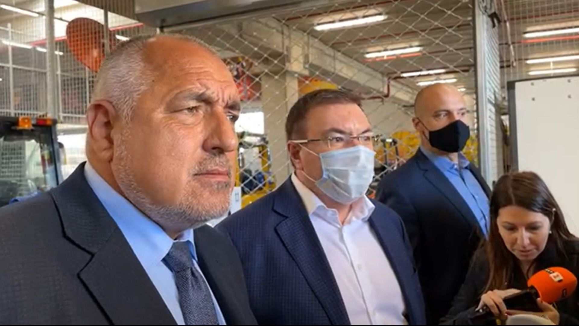 Журналисти ядосаха Борисов с въпроси за консултациите при Радев, а не за ваксини (видео)