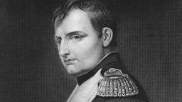 Носна кърпа и кичур коса на Наполеон се продават на търг край Париж