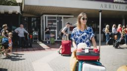 Русия спира полетите за свои туристи до България